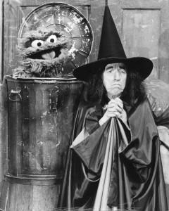 Sesame_Street_Margaret_Hamilton_Oscar_The_Grouch_1976